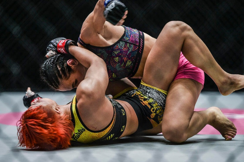 Alyona Rassohyna submitted Stamp Fairtex in her ONE debut (ONE Championship)